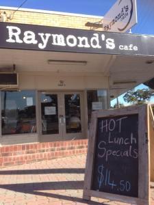 Raymond's Cafe